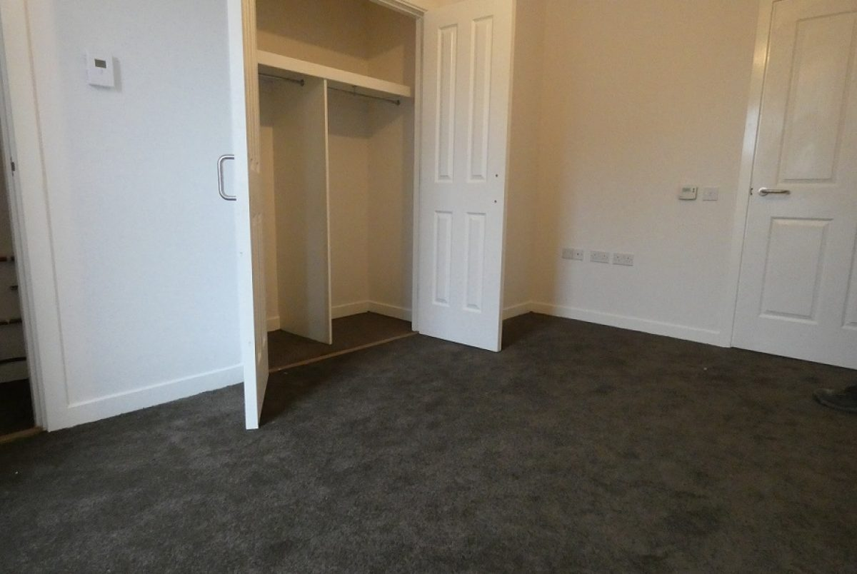 Loaning Road- 3 bed